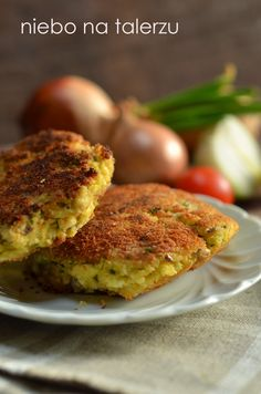 niebo na talerzu: Kotlety z kaszy jaglanej Gout Recipes, Cooking Recipes, Meals Without Meat, Eat Happy, Vegetarian Recipes, Healthy Recipes, Vegetable Dishes, Food Inspiration, Food To Make