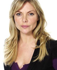 Samantha Womack (née Janus) - Ronnie Mitchell in Eastenders. Ronnie Mitchell, Samantha Womack, Eastenders Actresses, Hollyoaks, Face Forward, British Actresses, Blonde Color, Celebs, Celebrities