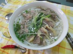 [Vietnamese Street Food] Street Food Around The World: Hanoi Eng Sub Vietnamese Street Food, Vietnamese Recipes, Asian Recipes, Ethnic Recipes, Pho Ga Recipe, Chicken Pho, Beef Noodle Soup, Asian Soup, Tasty