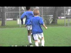 Voetbalschool Balcontrole Techniektraining Wiel Coerver, De Masters, voetbalkampen soccerbasic - YouTube