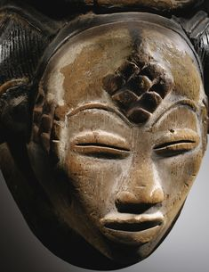 Arts dAfrique et dOcanie View Auction details, bid, buy and collect the various artworks at Sothebys Art Auction House. African Sculptures, Art Premier, Africa Art, Masks Art, African Masks, Ocean Art, Tribal Art, Sculpture Art, Organic Sculpture