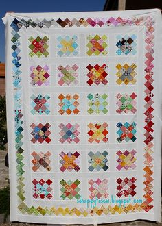 Thank you Dana for the QAL and Blue Elephant Stitches for the idea! Granny Square Quilt, Granny Square Häkelanleitung, Granny Square Crochet Pattern, Granny Squares, Yo Yo Quilt, Postage Stamp Quilt, Quilt Border, Crochet Quilt, Quilt Binding