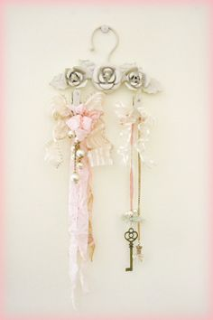 Shabby Chic Mini Hanger Decoration