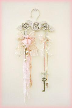 Shabby Chic Mini Hanger Decoration