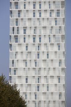 Park Tower / Studio Farris Architects