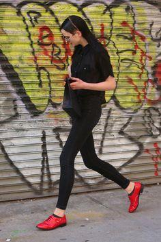 Fashion Week Street Style: Monochromatic with a Pop