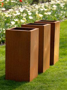 De Zeno Pots zijn uit Cortenstaal gemaakte plantenbakken die in elke gewenste maat geleverd kunnen worden.