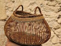 796 Best Vannerie images in 2020 Basket Willow, Big Basket, Basket Bag, Weaving Projects, Weaving Art, Hand Weaving, Willow Weaving, Basket Weaving, Newspaper Basket