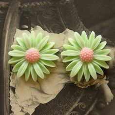 Polymer Clay Perlen - 10pcs Gänseblümchen-Blumen-Harz Cabochon - 28mm - ein Designerstück von chengxun bei DaWanda
