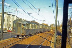 Rare 1951 photo of the MBTA Blue Line in East Boston near Orient Heights. East Boston, Boston Usa, Vintage Ads, Vintage Photos, Blue Line Train, Metro Rail, Metro Subway, Boston Skyline, Snug Harbor