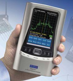 PSA2701T Handheld 2.7Ghz Spectrum Analyzer