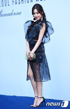 Tiffany Girls, Snsd Tiffany, Tiffany Hwang, Girls' Generation Tiffany, Girls Generation, Snsd Fashion, Seohyun, Fashion Beauty, Womens Fashion