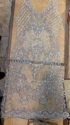 Most beautigul design Hand Embroidery Dress, Wedding Embroidery, Tambour Embroidery, Couture Embroidery, Gold Embroidery, Embroidery Patterns, Sewing Patterns, Machine Embroidery, Tambour Beading