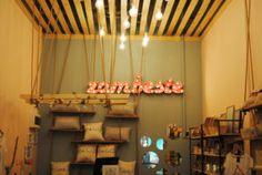 Bootik - amenajare spațiu comercial - Roomzia - Design Interior Online Interiors Online, Chandelier, Ceiling Lights, Interior Design, Home Decor, Nest Design, Candelabra, Decoration Home, Home Interior Design
