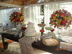 Casamento na praia! Decoração by Ramos de Cor - Atelier de Festa.  www.ramosdecor.com.br