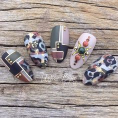 If you are looking for nail art that is more stylish and neutral, you must try the camouflage designs. Here are 50 camouflage nail art designs you may try. Love Nails, Pretty Nails, Fun Nails, Camouflage Nails, Uñas Fashion, Leopard Print Nails, Swarovski Nails, Manicure E Pedicure, Autumn Nails