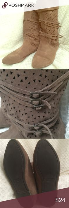 STEVE MADDEN suede slouch boots Sz 8.5/9 Steve Madden suede slouch boots. Taupe. Size 8.5/9(size and style name stamp worn off).  Only notable wear is inside boots (see last photo). Laser cutouts and buckle details. Cute & comfy! Steve Madden Shoes Ankle Boots & Booties