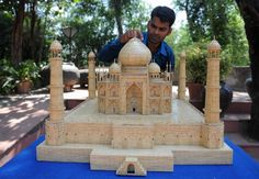 """He """"matched"""" the Taj Mahal - Indian Artist Makes Detailed Model of the Taj Mahal from Matchsticks Weird Sites, Matchstick Craft, Taj Mahal, Popsicle Stick Houses, Stick Art, Best Funny Videos, Indian Artist, Art Google, Art Pictures"""