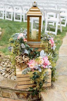 Wedding Lanterns, Outdoor Wedding Decorations, Lanterns Decor, Wedding Centerpieces, Ideas Lanterns, Wedding Backdrops, Ceremony Backdrop, Flower Centerpieces, Outdoor Ceremony