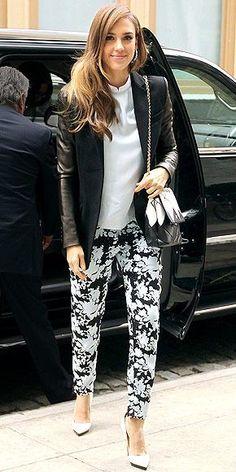 two-tone look #JessicaAlba #prints