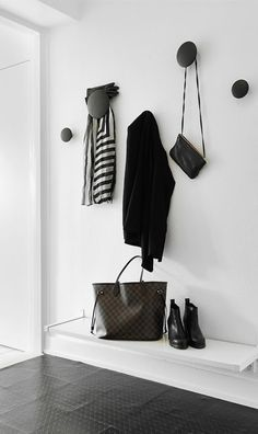 MUUTO - Set of 5 Hooks Dots black -hallway style Hallway Inspiration, Interior Inspiration, My Ideal Home, Entry Hallway, Hallway Bench, House Entrance, Deco Design, Design Blog, Design Trends