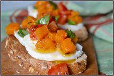 ŐRÜLTEN  JÓ ÉTELEK : Variációk egy témára: mozzarella, paradicsommmal 4...
