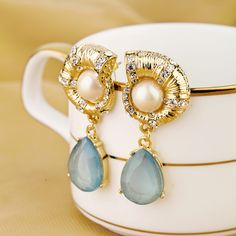 Stunning Dangle Earrings With Gold Palted Material And Nice Artificial Gemstone