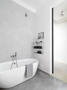 Stylish And Laconic Minimalist Bathroom Decor Ideas - DigsDigs Bathroom Toilets, Bathroom Renos, Laundry In Bathroom, Grey Bathrooms, Bathroom Inspo, White Bathroom, Beautiful Bathrooms, Bathroom Interior, Bathroom Inspiration