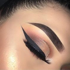 "13.7k Likes, 29 Comments - XmakeuptutsX (@xmakeuptutsx) on Instagram: ""Follow @xmakeuptutsx #xmakeuptutsx for more! . . #Repost @glambyroxy ・・・ Snatched ✨✨✨✨✨ Happy…"""