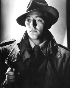 Robert Mitchum in a publicity photo for the film noir classic Out of the Past (Jacques Tourneur, 1947)
