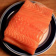 This Raw Salmon Fillet Is Ready To Be Brined and Cold Smoked Smoked Salmon Brine, Grilled Salmon Recipes, Smoked Fish, Grilled Seafood, Salmon Dishes, Seafood Dishes, Salmon Smoker, Raw Salmon, Smoker Cooking