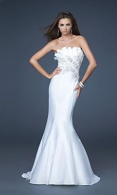 Shop La Femme evening gowns and prom dresses at Simply Dresses. Designer prom gowns, celebrity dresses, graduation and homecoming party dresses. Prom Dress 2014, Mermaid Prom Dresses, Strapless Dress Formal, Dress Long, Long Dresses, Formal Dresses, Dresses Dresses, Formal Wear, Prom 2014