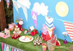 Azucarillos Color: Peppa Pig Party (and Alice)