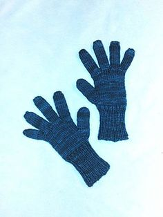 Ravelry: Gloves for Kids pattern by Lise-Anne Michel Kids Patterns, Mittens, Ravelry, Gloves, Crochet, Ideas, Accessories, Craft Work, Fingerless Mitts