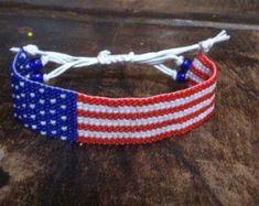 Pretty handmade beaded bracelet! Etsy Jewelry, Beaded Jewelry, Beaded Bracelets, Jewelry Shop, Bohemian Bracelets, Colorful Bracelets, Festival Hippie, Festival Bracelets, Crochet Gifts