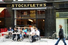 Stockfleths in Lille Grensen is one of the oldest coffee houses in Oslo. The café has tables both indoors and outside where you can enjoy hot and coffee drinks. Oslo, Cumberland Park, Lunch Cafe, Old Post Office, Cute Cafe, Norway Travel, National Museum, Capital City, Europe