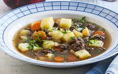 Meat and vegetable soup / Jauheliha−kasviskeitto, resepti – Ruoka. Pot Roast, Nom Nom, Beef, Vegetables, Ethnic Recipes, Dinner Ideas, Soups, Families, Food