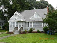 $139,900   118 POCHIN PL, Hampton, VA 23661   MLS# 1326116