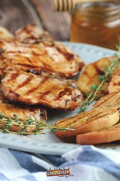 Check out this delicious grilled pork chop recipe with grilled cinnamon apples now #grilledpork #porkrecipes #porkdinner #pork Grill Recipes, Barbecue Recipes, Pork Chop Recipes, Apple Recipes, Dinner Recipes, Juicy Pork Chops, Grilled Pork Chops, Healthy Grilling, Healthy Dinners