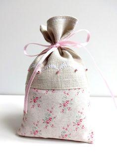 Duftkissen & -säckchen - Lavendelsäckchen - ein Designerstück von Vintage-Trude bei DaWanda