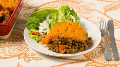 Shepherd's Pie Supper - Season 4 Episode 62 - Best Recipes Ever - Today's Shepherd's Pie Supper is a twist on the classic that's easy to prepare any night of the week. On today's menu: Sweet Potato Shepherd's Pie Simply Recipes, Simply Food, Supper Recipes, Supper Meals, Mouth Watering Food, Best Food Ever, Sweet Potato Recipes, Food For Thought, Good Food