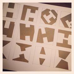 Día 20. Jugando con la H para diseñar azulejos :-)