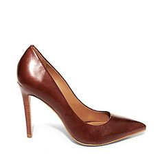 Steven Madden Proto 2 Pumps in Brown Leather for wearing with dark blue jeans, button-up, and Fiorelli or Fossil bag