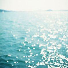 Shiny sea.