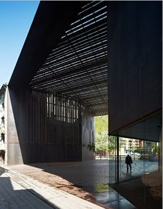 La Lira, pedestrian bridge and public space in Ripoll, Spain by RCR Arquitecte (EUGENI PONS)