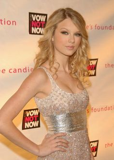 Taylor Swift attends the 5th Annual Candies Foundation 'Event to Prevent' Benefit in NYC on May 7 2008