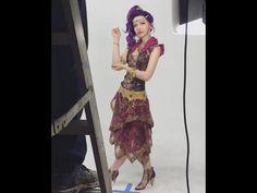 "Dove Cameron imagenes tras camaras "" Genie in a Bottle"""