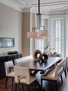 Six expert tips from the pros at HGTV.com for incorporating the latest trends in your dining room.