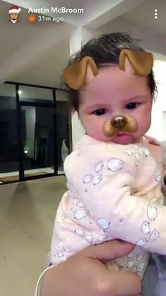 The Ace Family Youtube, Ace Family Wallpaper, Austin And Catherine, Catherine Paiz, Future Mom, Cute Family, Alaia, Cute Faces, Baby Fever