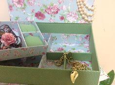 Caixa de bijou grande, está caixa fiz para uma amiga.